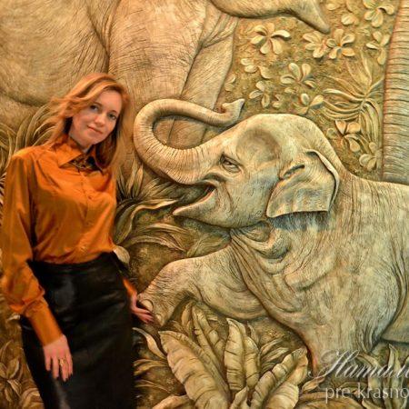 Барельеф слоны
