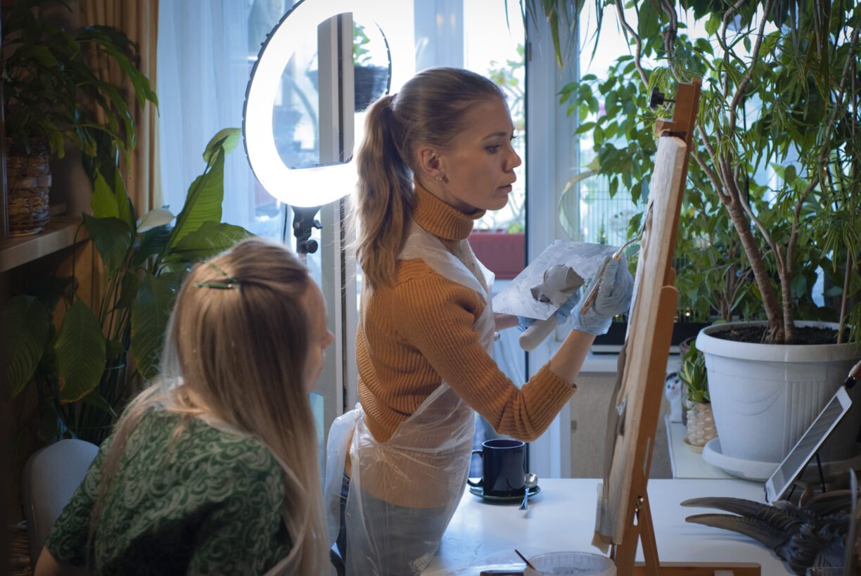 obuchenie barelefu s sertifikatom 1224x819 - Александра Лазарева (г. Ярославль) прошла курс обучения по барельефу