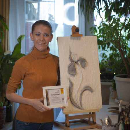 obuchenie barelefu s sertifikatom 15 450x450 - Александра Лазарева (г. Ярославль) прошла курс обучения по барельефу