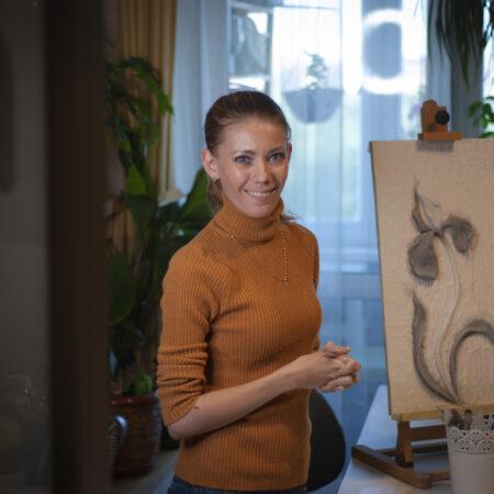 obuchenie barelefu s sertifikatom 17 450x450 - Александра Лазарева (г. Ярославль) прошла курс обучения по барельефу